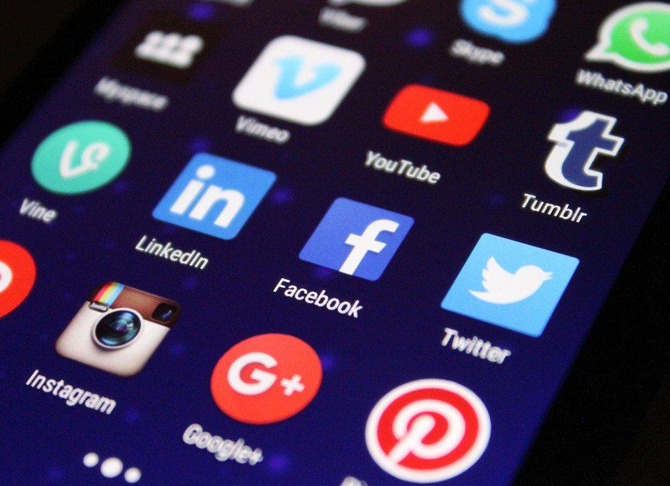 Plateformes sociales et relation clients : nouvelles attentes et nouveaux usages image