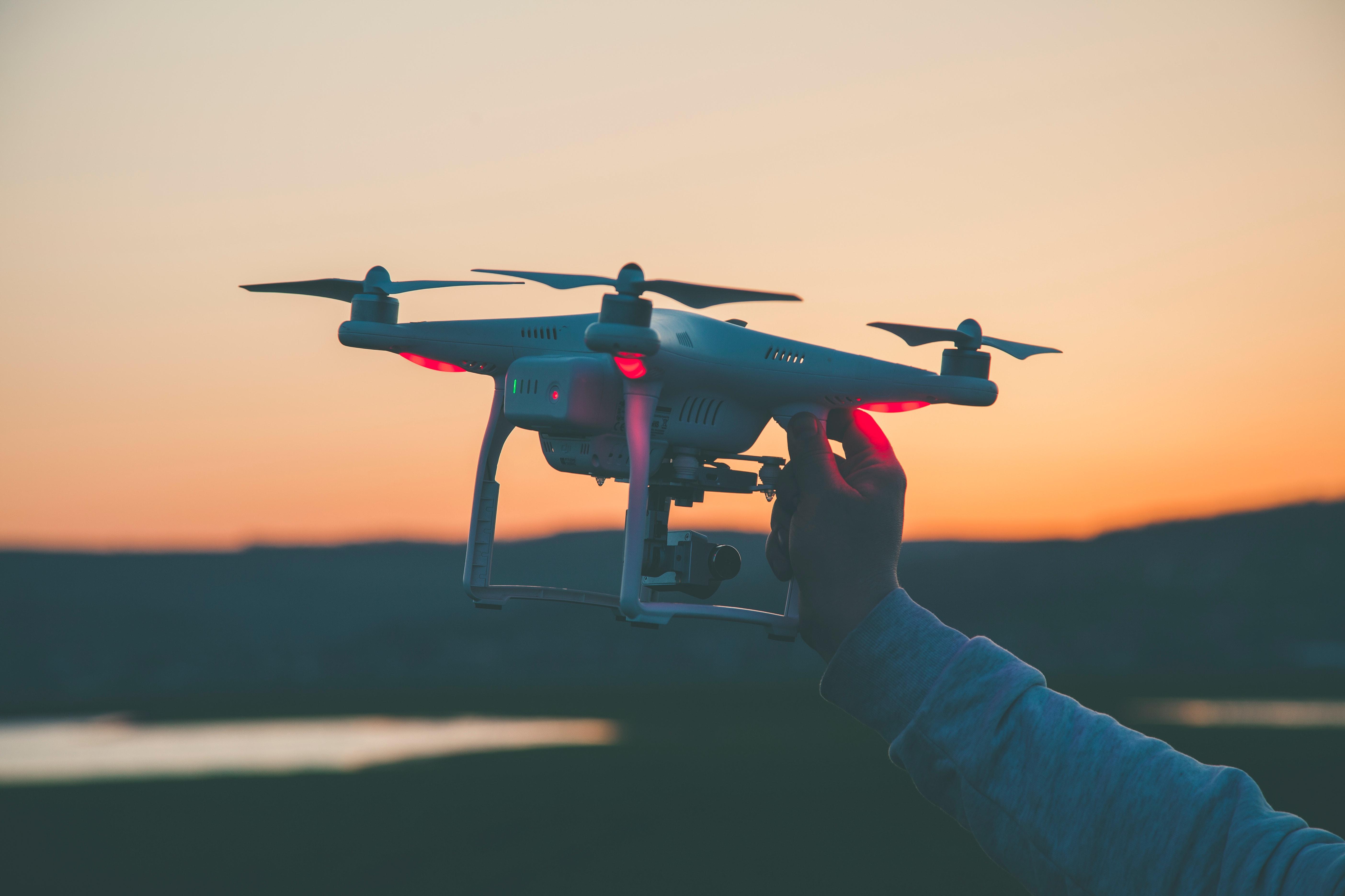 Quel regard les Français portent-ils sur les drones ? - Enedis image