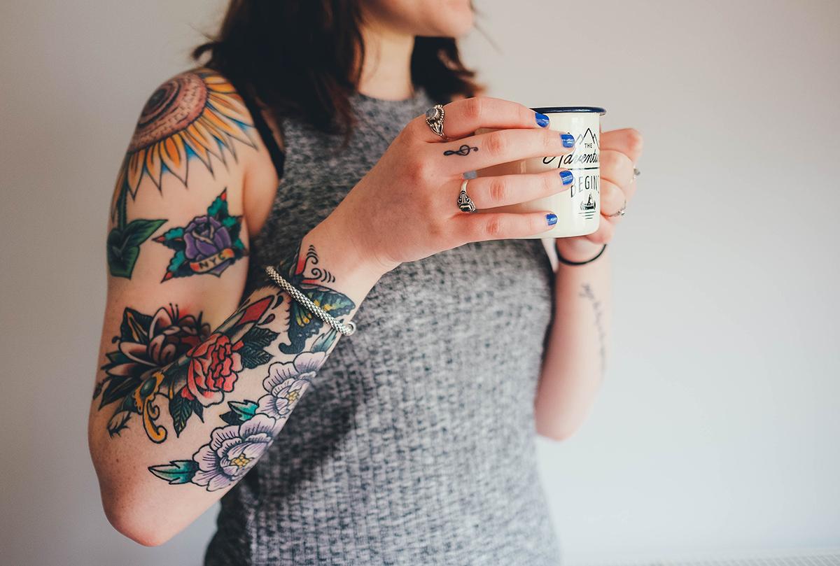 Embelli, personnalisé, le corps comme expression de soi image